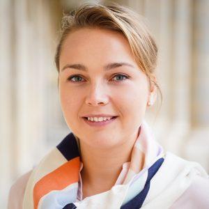 Dr. Alena Fargere